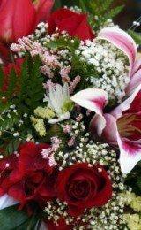 buquês de noiva  com flores diferentes
