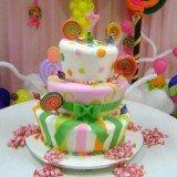 bolo infantil de festa colorido