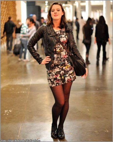vestido-estampado-curto-com-meia-calca