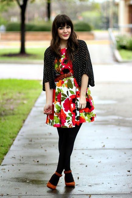 vestido-estampado-e-meia-preta-inverno