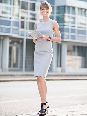 look-trabalho-vestido-cinza