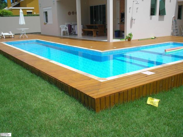 Lindas piscinas com deck de madeira t super na moda jet for Ver piscinas