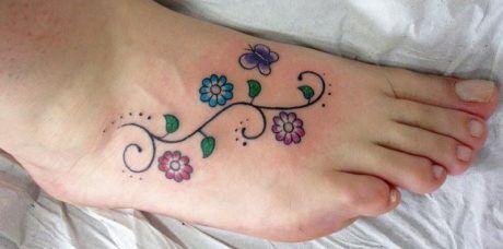 tatuagem-flores-no-pe