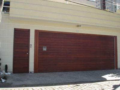 portão de madeira residencial moderno